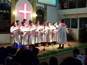 Our retired women's choir gives praise to the Lord.