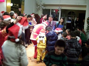 A grand ending to our performance service -- Mob the Santa!