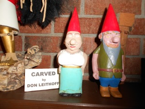 Don is quite the folk artist!  Betty's mantle displayed many of his creative wood carvings, which I was so enamored of that I took lots of pictures.