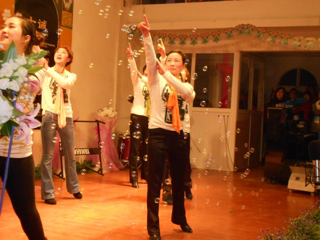 The bubbles complimented the dancers nicely.