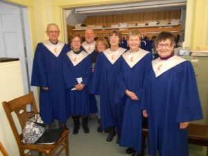 The early birds has a practice in the choir room before church.  My mom, Priscilla, is on the right and I'm next to her.